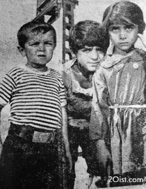 لیلا فروهر!، شهید مجید فریدفر، و اسدالله یکتا در سکانسی از یکی از فیلمهای قبل از انقلاب.